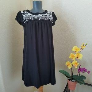 Xhiliration Black Rayon Tribal Shift Dress